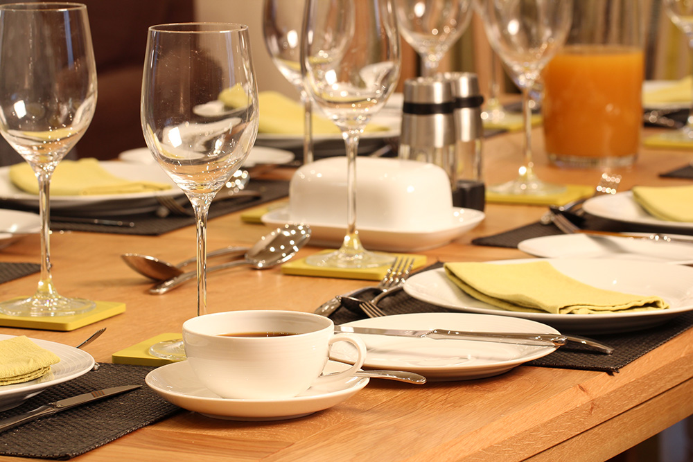 Drummochy-dining-table-close-up.jpg